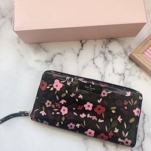 🎁SALE🎁 Kate Spade Floral Neda Zip Around Wallet